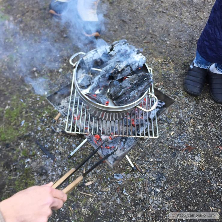 ダッチオーブン簡単レシピ|パンを焼いてみよう